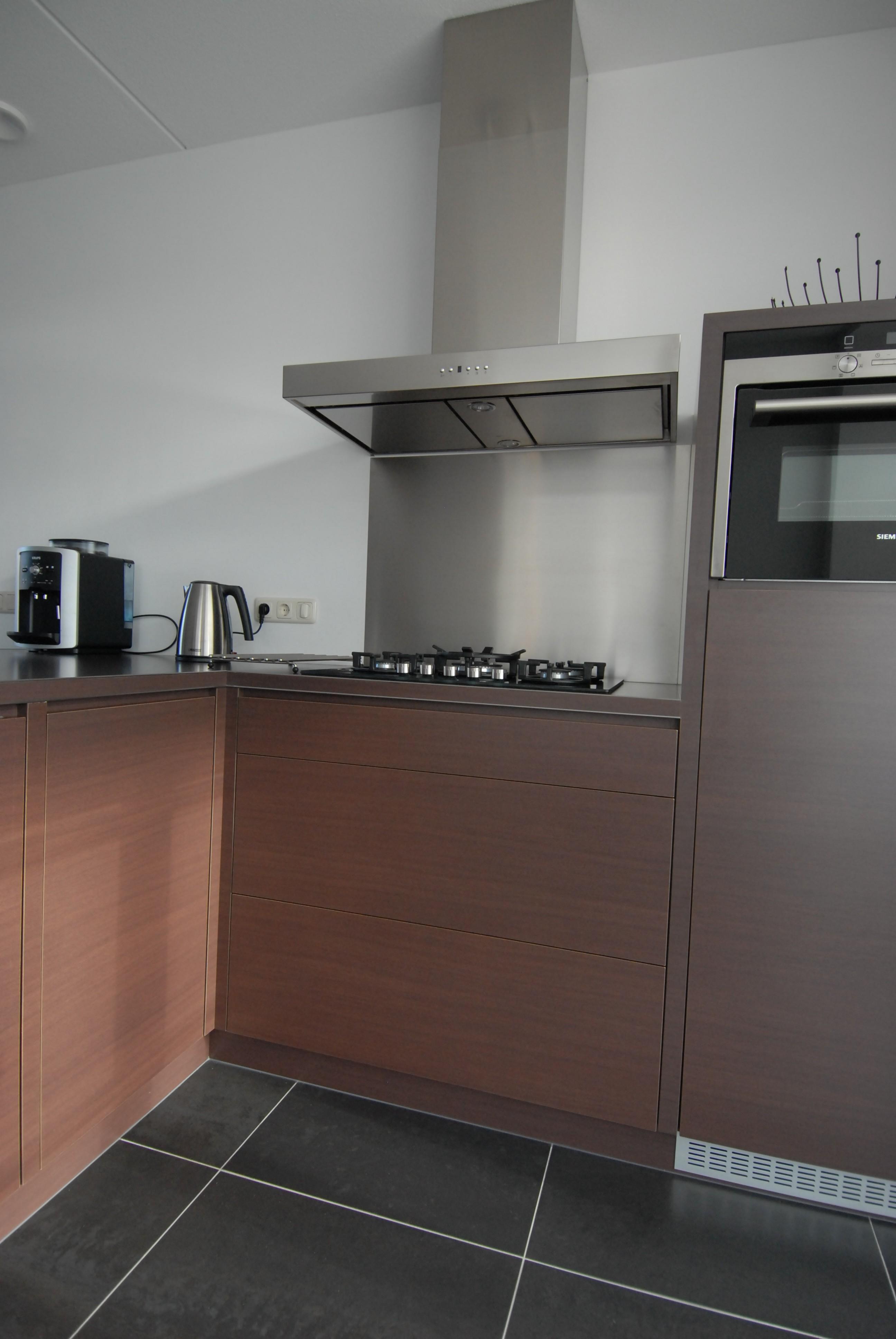 Moderne keuken in hout-look